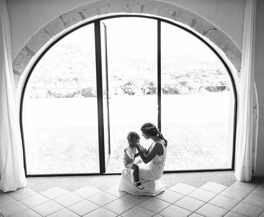 """ALT""Mallorca wedding photographer kid moment"