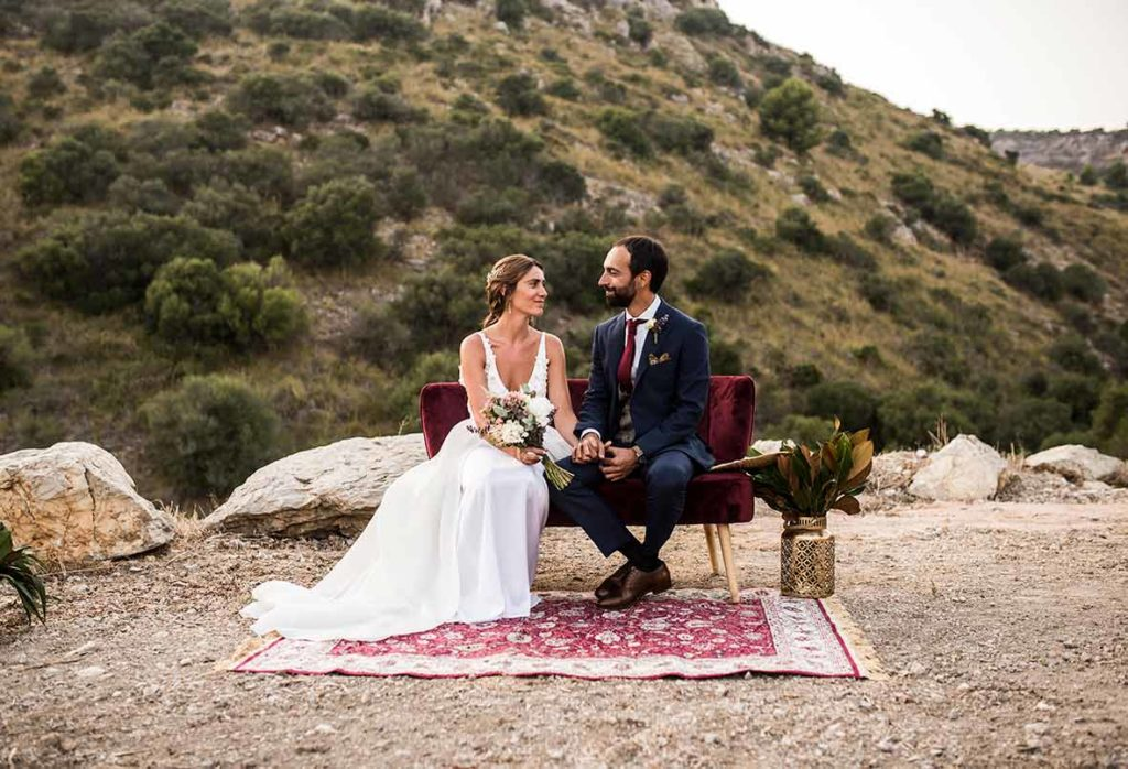 """ALT""Mallorca wedding photographer sofa"