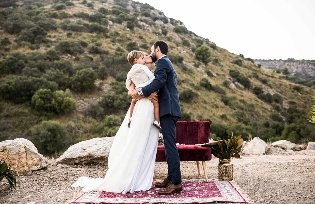 """ALT""Mallorca wedding photographer kiss"