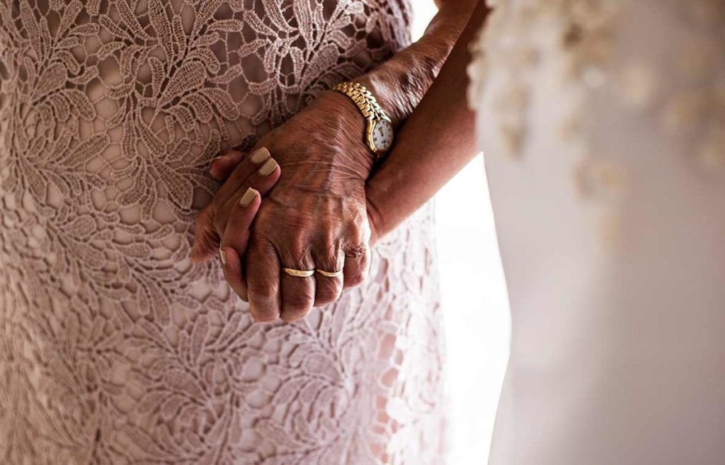 """ALT""Mallorca wedding photographer detail grandma"