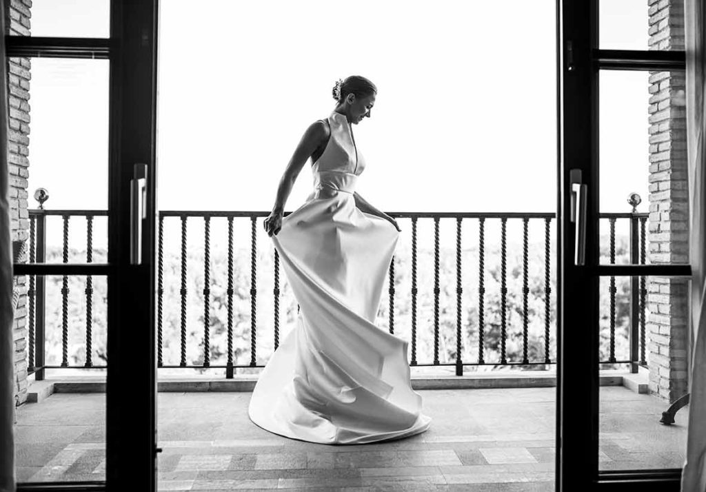 """ALT""Mallorca weddings photographer balcony"