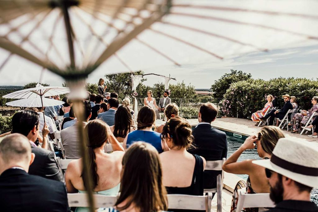 wedding photographer mallorca umbrella