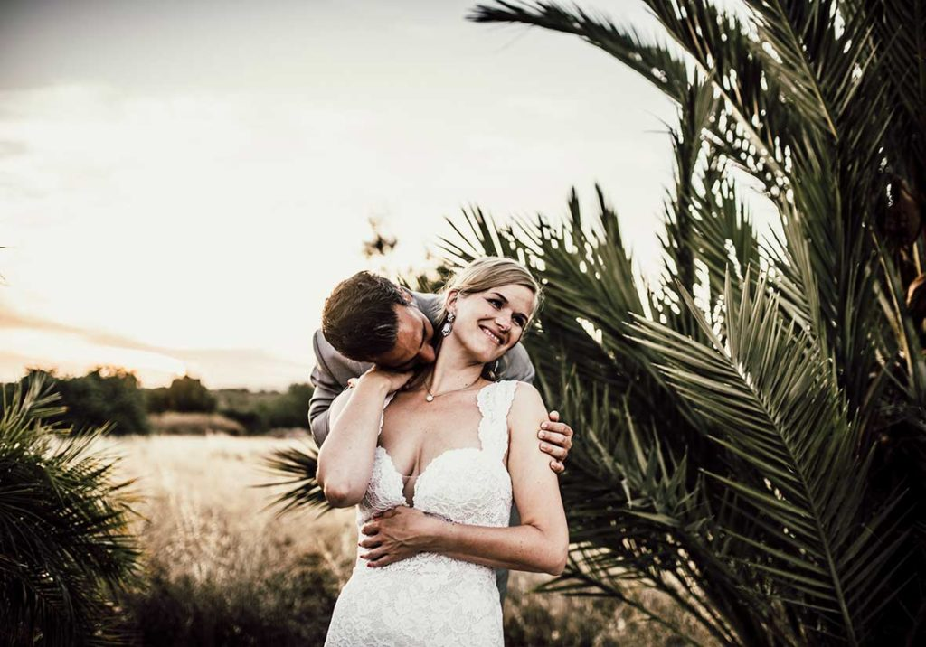 wedding photographer mallorca kiss neck