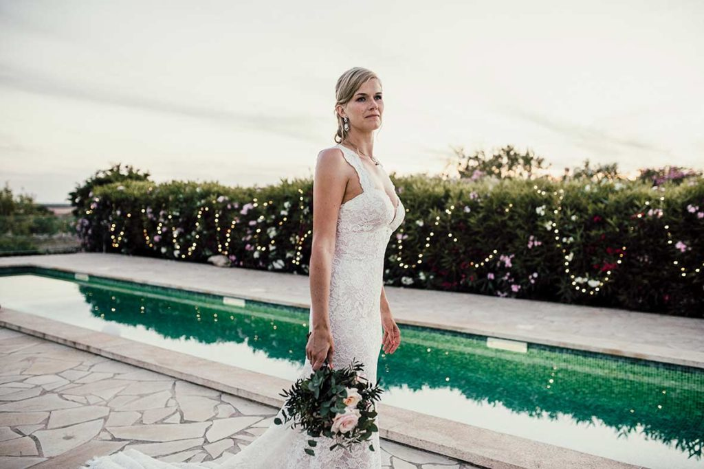 wedding photographer mallorca bride pool