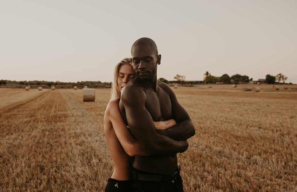 """ALT""""couple's photo shoot in Mallorca love"""