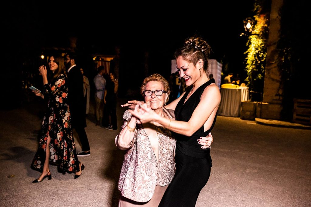 lgbt wedding in mallorca dance