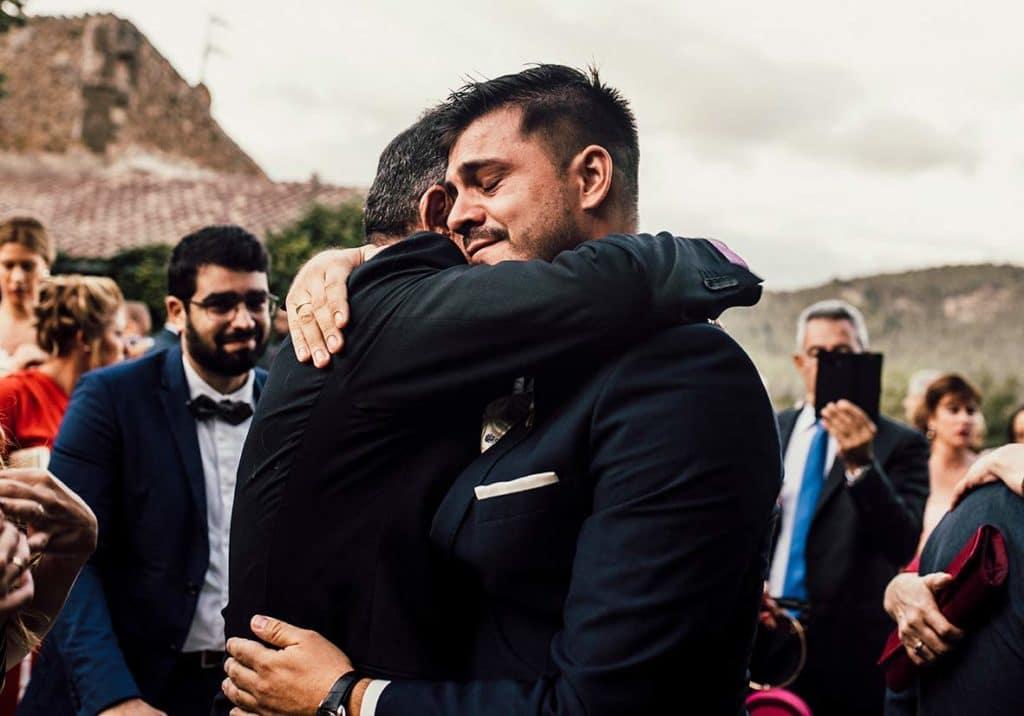 """ALT""photographer mallorca son burguet hug"