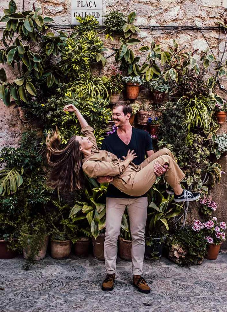 cute engagement in mallorca