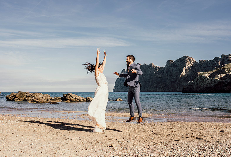 best photographer postwedding in mallorca