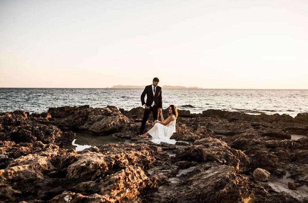 """ALT""postwedding photographer mallorca rocks"