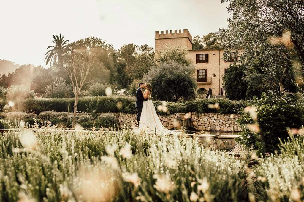 """ALT""postwedding session in mallorca romantic"