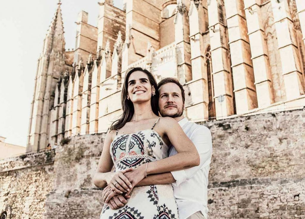 prewedding photographer in mallorca cathedral