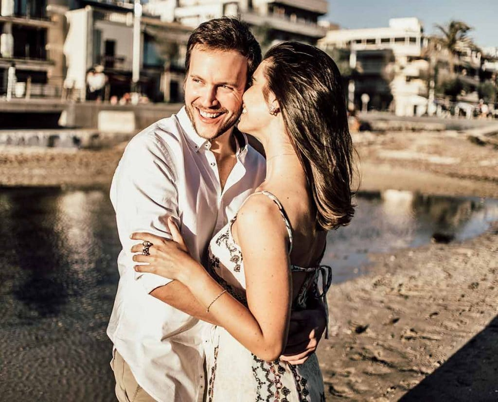 prewedding photographer in mallorca happy