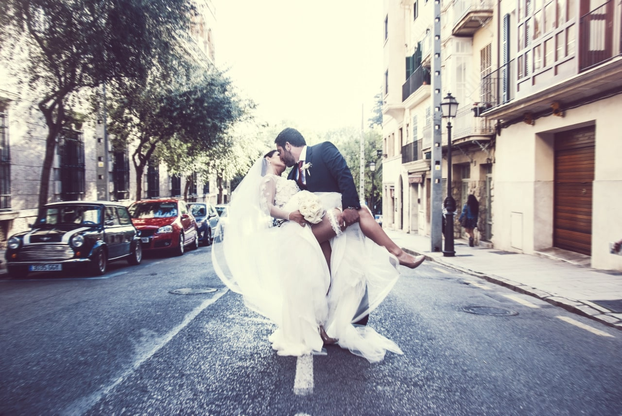 Wedding photographers Mallorca street