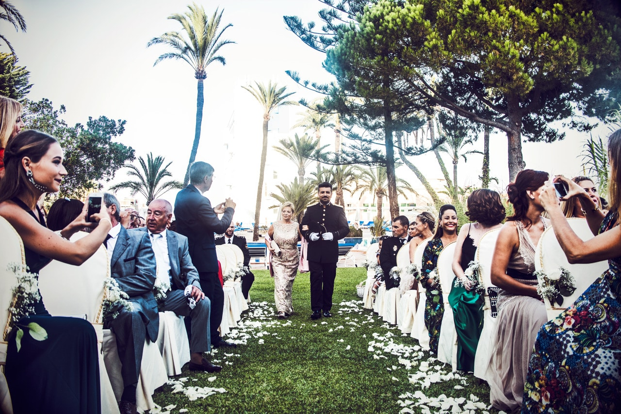 Wedding photographers in Palma de Mallorca enter
