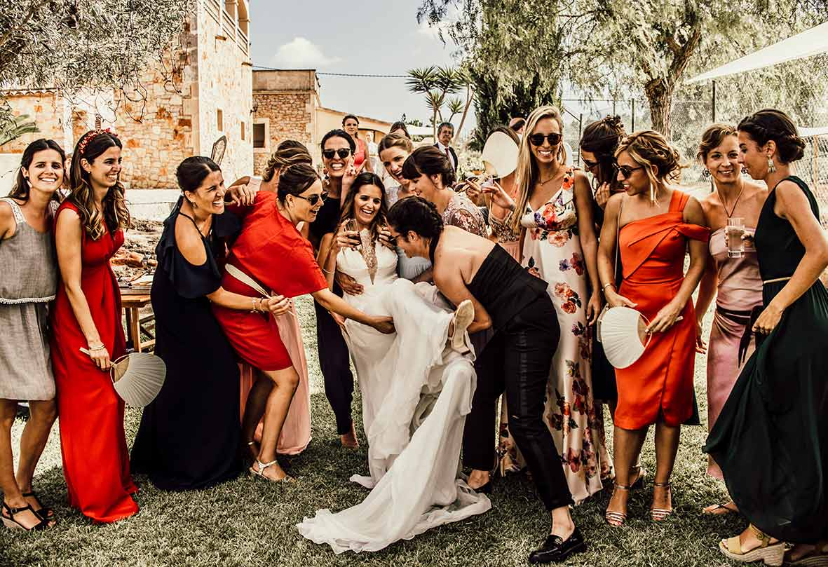 wedding photographer mallorca bridesmaids