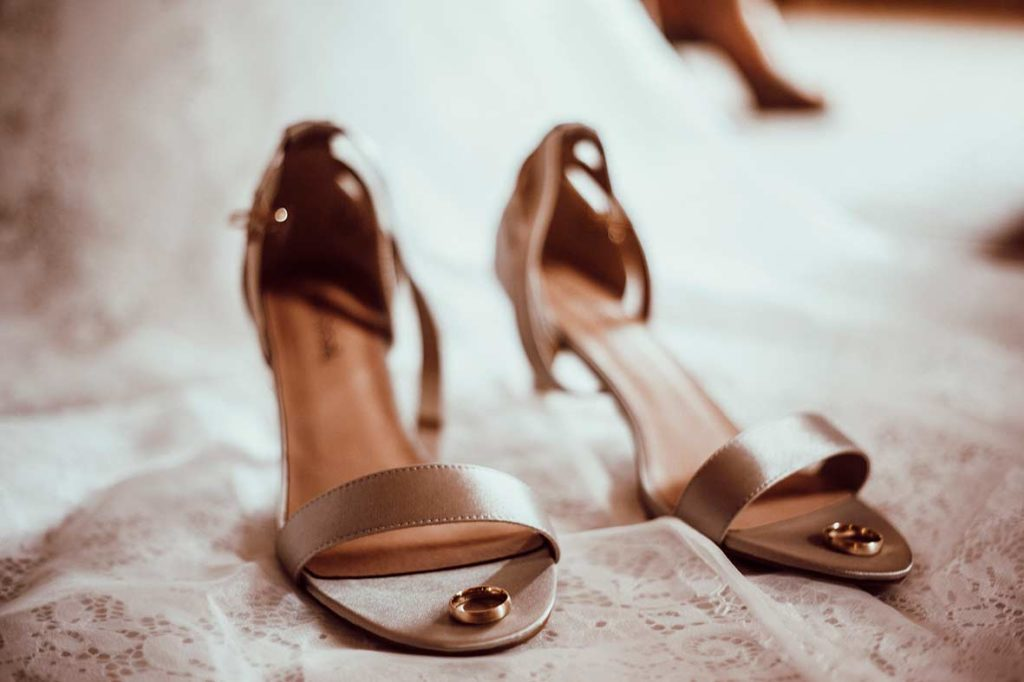 wedding photographer mallorca shoes
