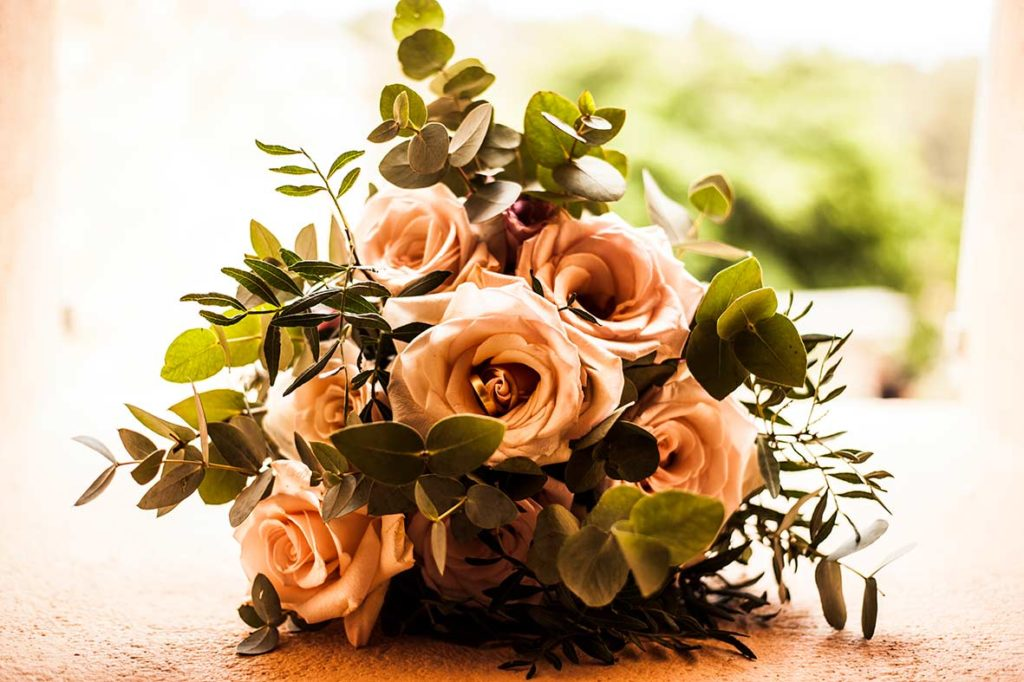 wedding photographer mallorca bouquet room